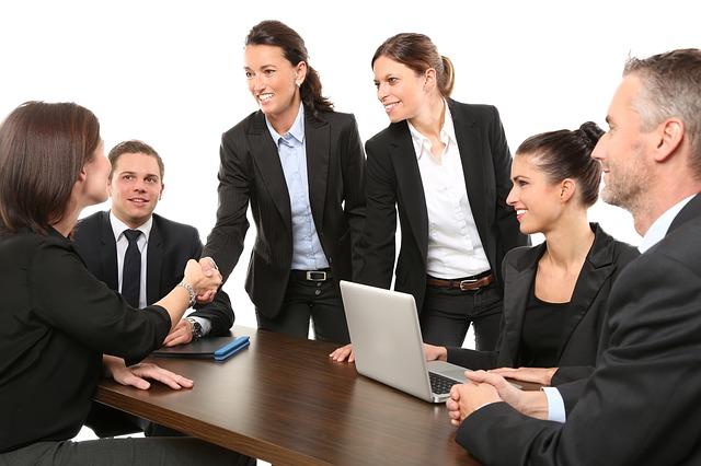 חבילות לגיוס עובדים עבור עסקים קטנים ובינוניים